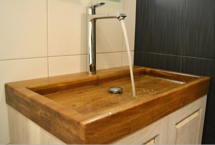 Wooden basin to an apartment